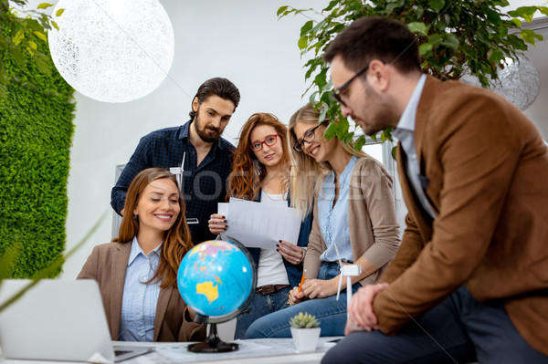 серьезный команда развивающийся бизнеса бизнес-команды Сток-фото © MilanMarkovic78