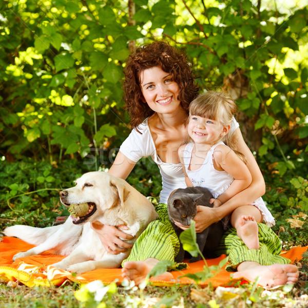 母親 娘 ペット 美しい リラックス 自然 ストックフォト © MilanMarkovic78
