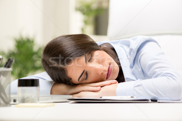Бизнес леди уснула на вечеринке видео