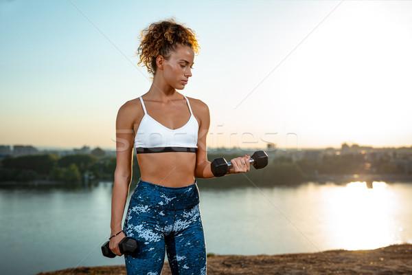 Inspanning dagelijks jonge fitness vrouw training Stockfoto © MilanMarkovic78