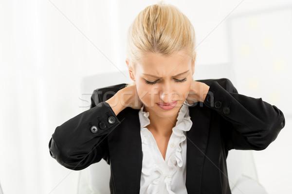Moe zakenvrouw jonge holding handen nek vrouwen Stockfoto © MilanMarkovic78