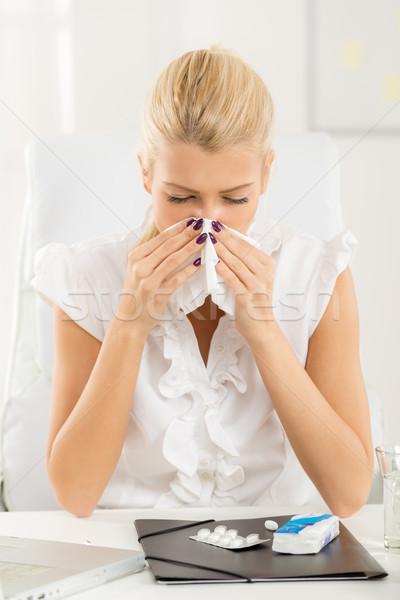 Alérgico trabalhar jovem mulher de negócios local de trabalho Foto stock © MilanMarkovic78