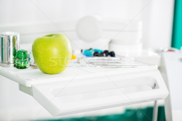 Elma diş hekimliği aletleri diş ofis seçici odak Stok fotoğraf © MilanMarkovic78