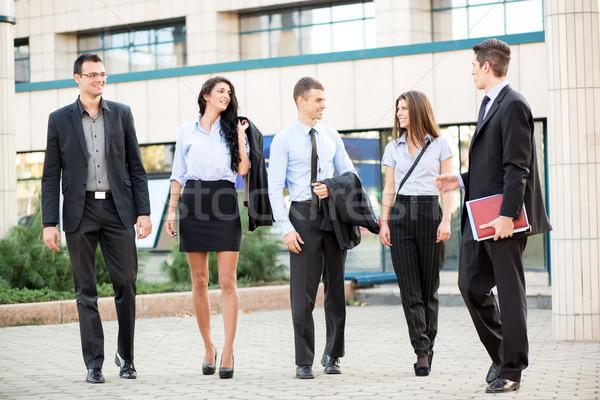 Zdjęcia stock: Grupy · młodych · ludzi · biznesu · portret · mała · grupa · spaceru