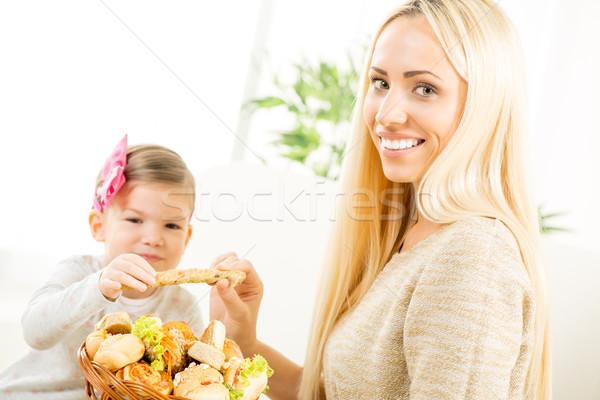 Mamma figlia panetteria prodotti bella madre Foto d'archivio © MilanMarkovic78