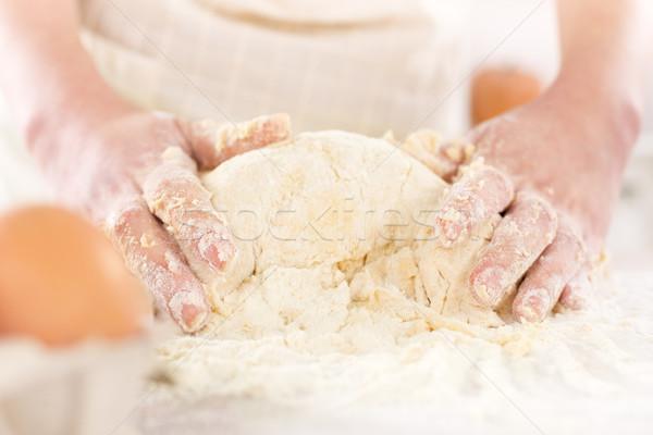 Paar handen tabel Stockfoto © MilanMarkovic78