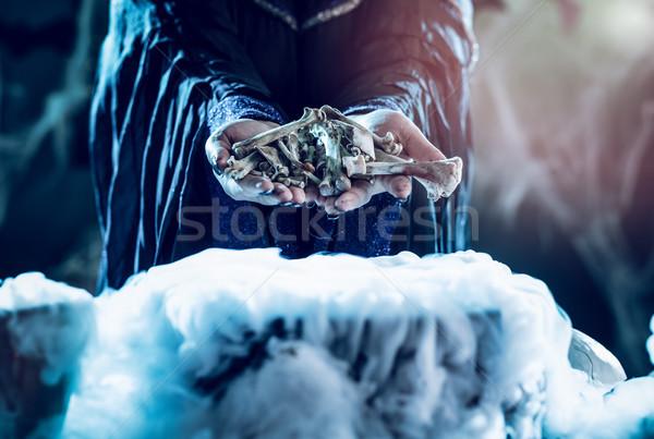 Csontok kezek közelkép tart fölött víz Stock fotó © MilanMarkovic78