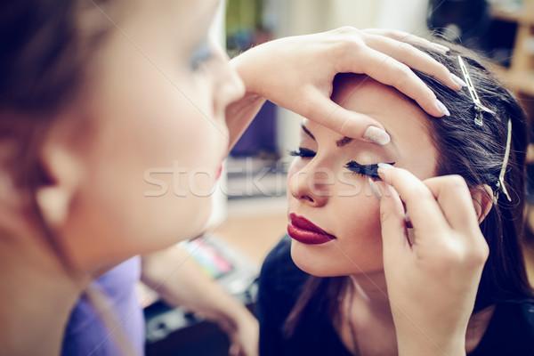Műszempillák sminkmester jelentkezik modell közelkép nők Stock fotó © MilanMarkovic78