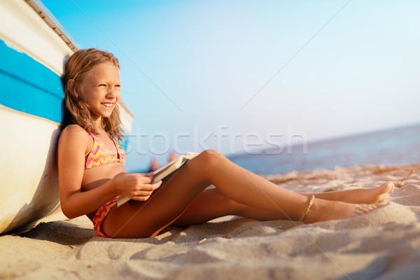 時間 楽しむ 美しい 女の子 読む 図書 ストックフォト © MilanMarkovic78