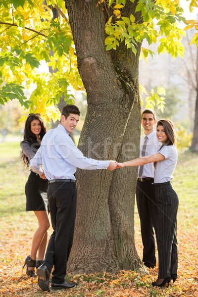 Guardar naturaleza grupo jóvenes gente de negocios pie Foto stock © MilanMarkovic78