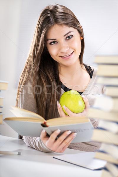 Student meisje appel mooie vergadering veel Stockfoto © MilanMarkovic78