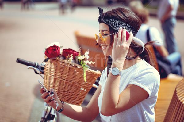 музыку счастливым привлекательный находить мелодия Сток-фото © MilanMarkovic78