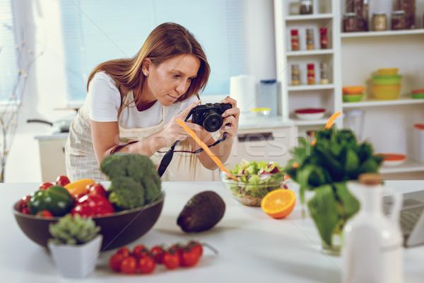 食品 ブロガー 作業 美しい 若い女性 ストックフォト © MilanMarkovic78