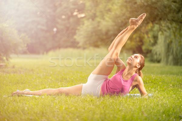 Park sevimli kız kadın spor Stok fotoğraf © MilanMarkovic78