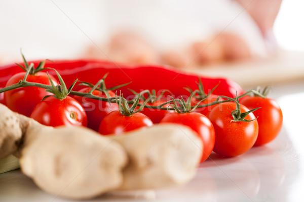 Rojo tomate cherry jengibre pimientos cocina bordo Foto stock © MilanMarkovic78