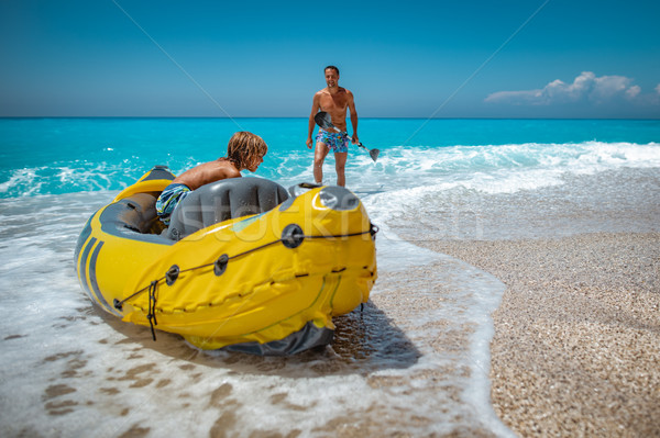 Kayak uomo accanto figlio Foto d'archivio © MilanMarkovic78