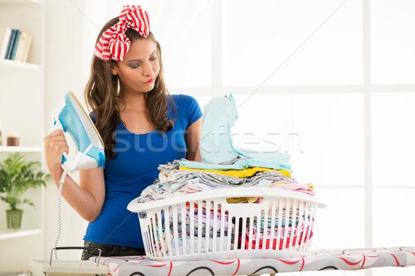 落ち込んで 小さな 主婦 バスケット 洗濯 ストックフォト © MilanMarkovic78