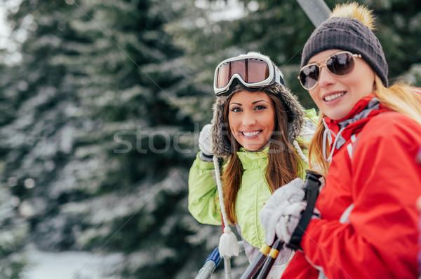Kablo araba güzel genç kadın arkadaşlar Stok fotoğraf © MilanMarkovic78