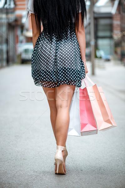 Stock fotó: Vásárlás · fiatal · nő · sétál · utca · ki · pláza