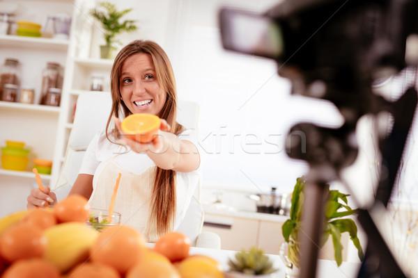 Séduisant blogger fille vidéo belle Photo stock © MilanMarkovic78