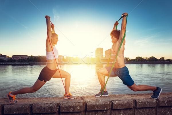 Veel voordelen buitenshuis oefening jonge fitness Stockfoto © MilanMarkovic78
