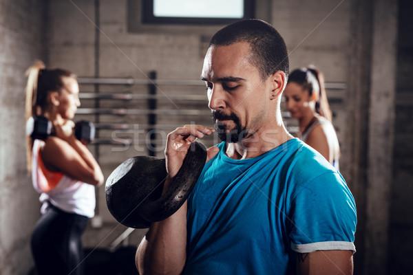 Crossfit entraînement jeunes musculaire homme prêt Photo stock © MilanMarkovic78
