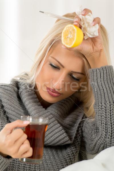 Como doente ficar casa jovem Foto stock © MilanMarkovic78