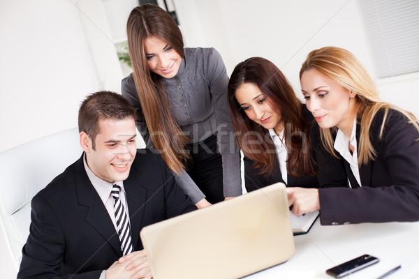 Zdjęcia stock: Zespół · firmy · szczęśliwy · młodych · business · woman · koledzy