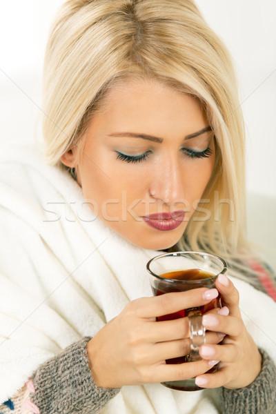 Gyönyörű lány csésze tea gyönyörű szőke nő lány Stock fotó © MilanMarkovic78