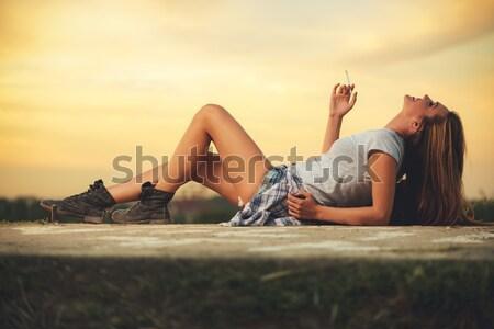 Nyár összes szükség aranyos mosolyog fiatal nő Stock fotó © MilanMarkovic78