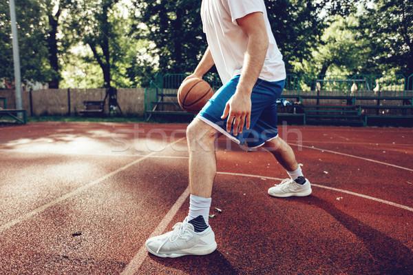 Tonen basketbal vaardigheden onherkenbaar jonge straat Stockfoto © MilanMarkovic78