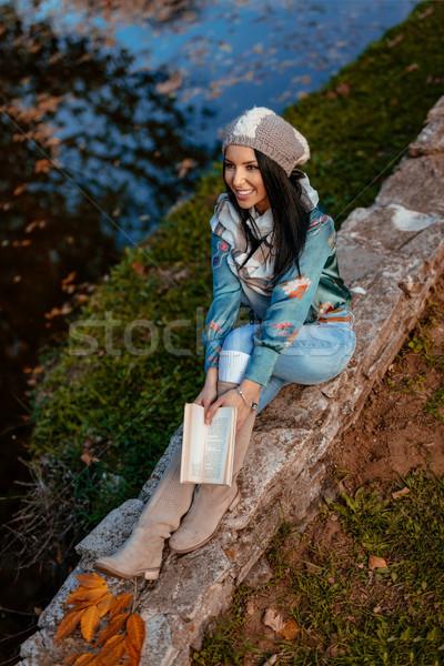 Foto stock: Beleza · livro · topo · ver · belo · mulher · jovem