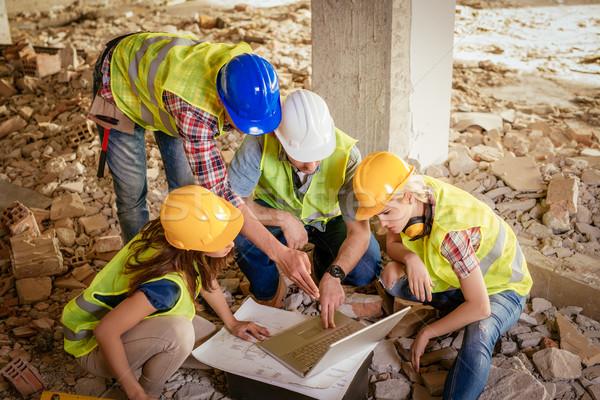 Foto stock: Reconstrucción · desastre · cuatro · construcción · plan · portátil
