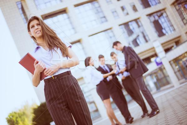 üzletasszony tervező fiatal kezek áll irodaház Stock fotó © MilanMarkovic78