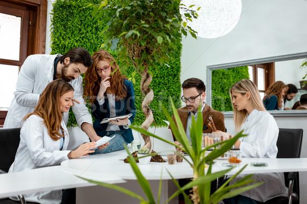 új növény tenyésztés egyetem kollégák elvesz Stock fotó © MilanMarkovic78