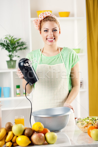 若い女性 電気 ミキサー 美しい キッチン ボウル ストックフォト © MilanMarkovic78
