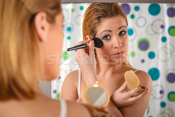 Joues rose jeune femme maquillage Photo stock © MilanMarkovic78