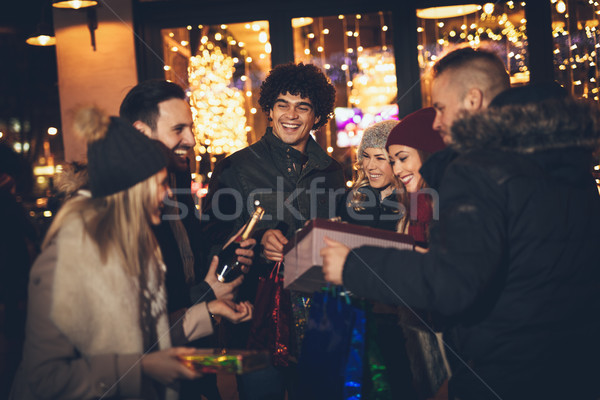 Amigos año nuevo noche alegre jóvenes Foto stock © MilanMarkovic78