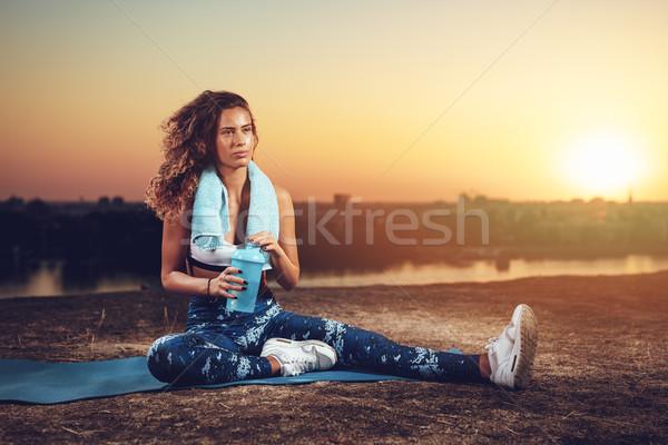 クイック 水 ブレーク 小さな フィットネス女性 ストックフォト © MilanMarkovic78