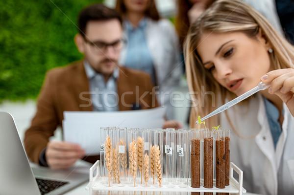 Cseppek élet egyetem női biológus minta Stock fotó © MilanMarkovic78