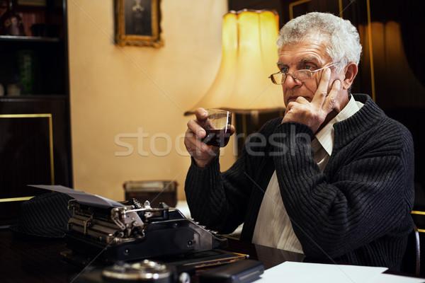 Stockfoto: Retro · senior · man · schrijver · bril · vergadering