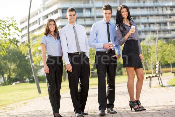 Zespół firmy przerwa na kawę grupy młodych udany ludzi biznesu Zdjęcia stock © MilanMarkovic78