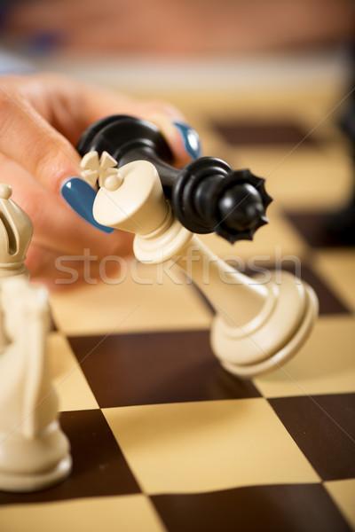 Schaakmat vrouw hand koningin koning Stockfoto © MilanMarkovic78