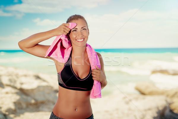 フィットネス 少女 ビーチ 美しい 若い女性 リラックス ストックフォト © MilanMarkovic78