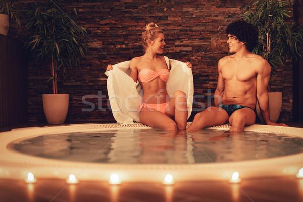 Pár fürdő centrum gyönyörű fiatal pér élvezi Stock fotó © MilanMarkovic78
