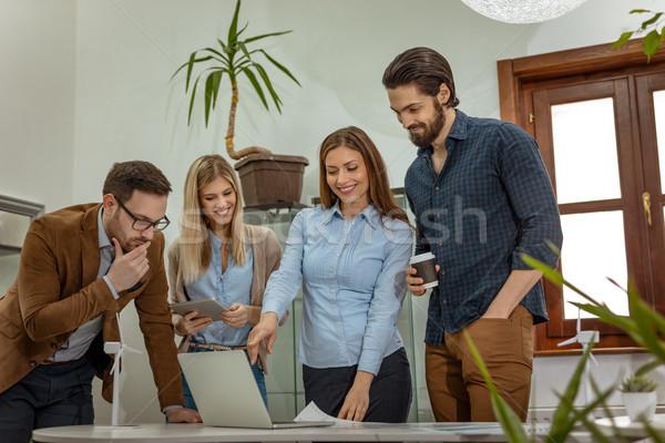 Tevreden wat team smart geschoold Stockfoto © MilanMarkovic78