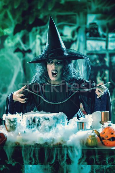 Witch zło twarz hat głowie pełzający Zdjęcia stock © MilanMarkovic78