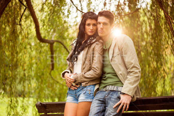 привлекательный парка молодые гетеросексуальные пары Постоянный Сток-фото © MilanMarkovic78
