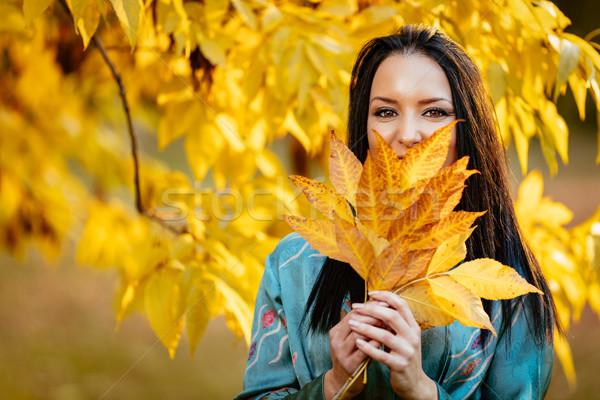 Herbst Mädchen Stadt Park schönen glücklich Stock foto © MilanMarkovic78