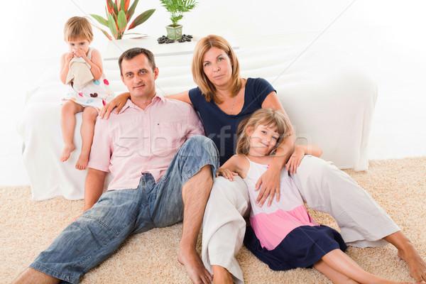 Photo stock: Famille · heureuse · belle · séance · tapis · homme · heureux